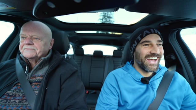 Video «Fahren im Schnee – Wieviel besser ist Allrad wirklich?» abspielen