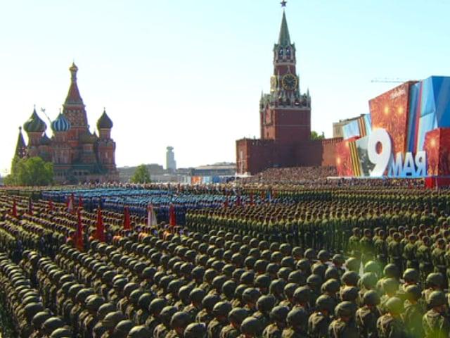 Noch mehr Soldaten auf dem Roten Platz