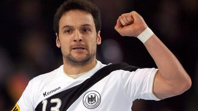Der künftige Kadettentrainer jubelt an der WM 2007 über ein Goal.