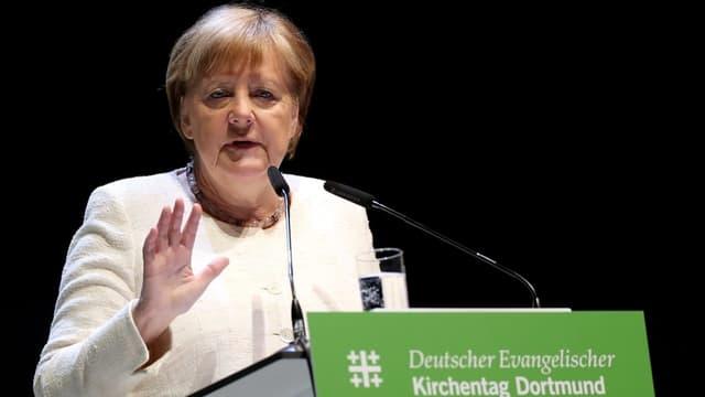 Merkel fordert friedliche Lösung