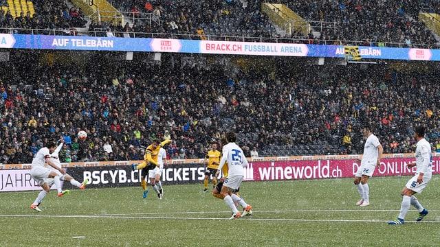 Eine Szene aus dem Spiel YB - Zürich.