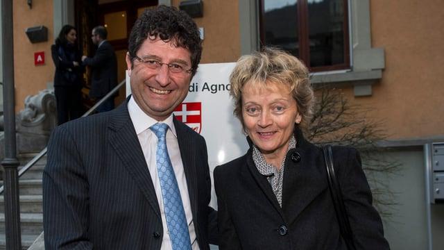 Bundesrätin Eveline Widmer-Schlumpf mit dem Tessiner Staatsratspräsidentenn Paolo Beltraminelli.