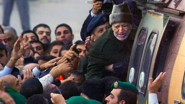 Arafat im Helikopter