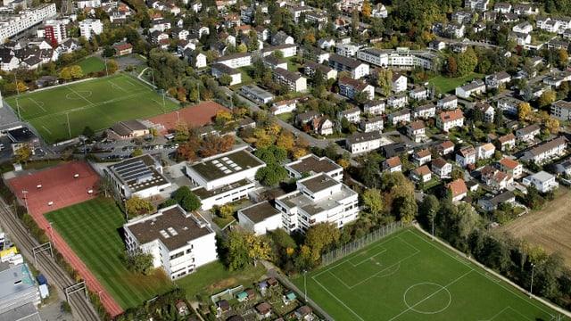 Eine Luftaufnahme von Oberwil