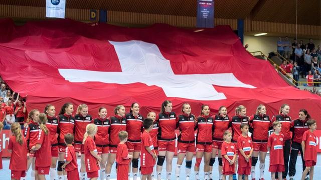 Schweizer Frauen-Handballnationalmannschaft bei der EM-Qualifikation gegen Kroatien im Frühling 2018.