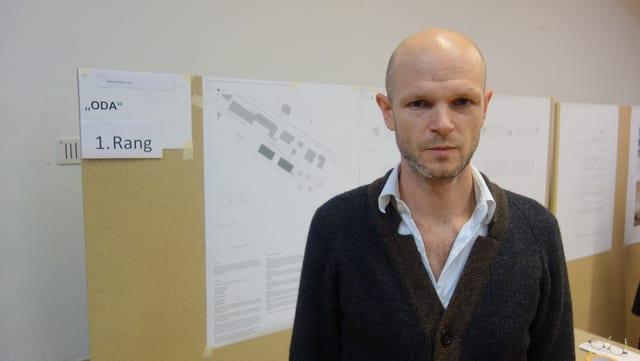 Raphael Zuber da Cuira, il victur da la concurrenza d'architectura.