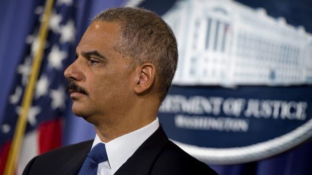 Eric Holder, il minister da giustia dals stadis unids ha oz infurmà sur da la probabla organisaziun da spiunascha a New York.