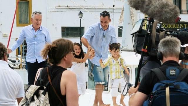 «Happy Day - Ferienflieger»: Dreharbeiten auf Kreta mit Röbi Koller.