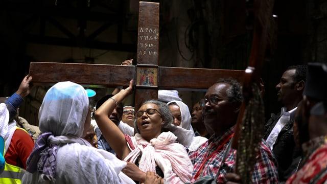 Pilger mit Kreuz