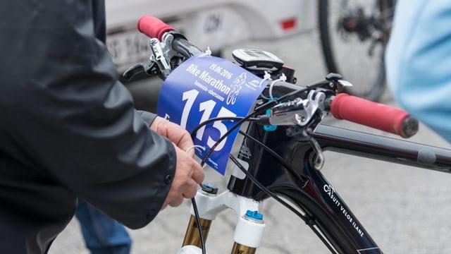 In bike cun montà il numer.