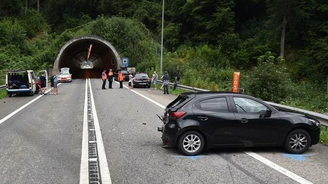 Autos collidads tar il tunnel da Plazzas sin l'A13.
