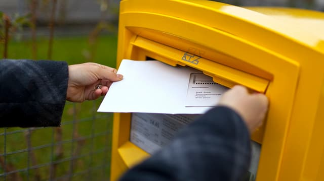 Die briefliche Stimmabgabe in der Ostschweiz ist nicht überall portofrei.