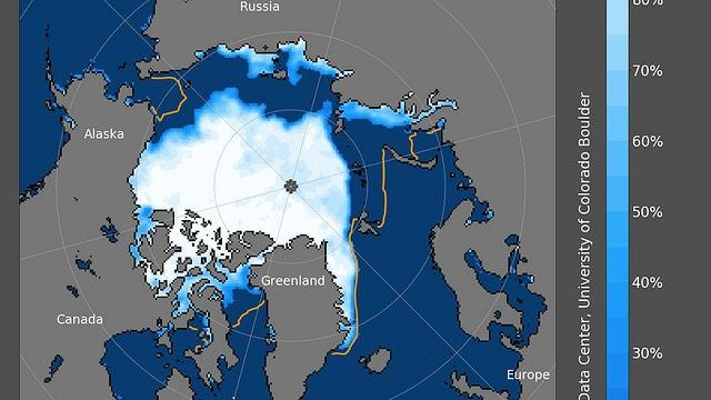 Ausbreitung des arktischen Meereises. An der Küste zu Russland gibt es immer noch viel Wasser an der Oberfläche.