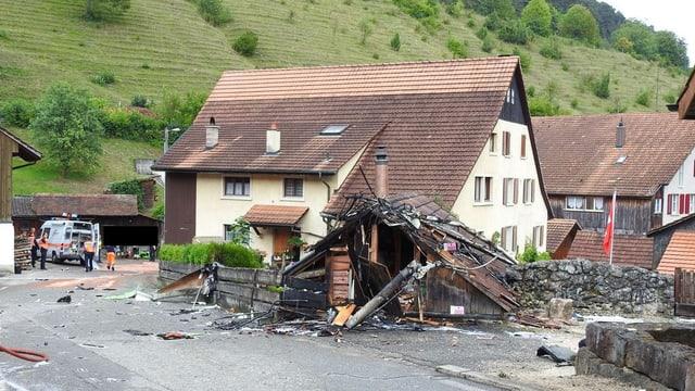 Scheune, die vom abgestürzten Flugzeug zerstört wurde.