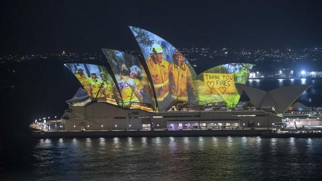 Projektionen auf das Opernhaus in Sydney.