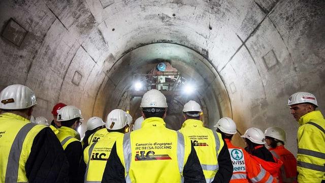 Besucher im Ceneri-Basistunnel.