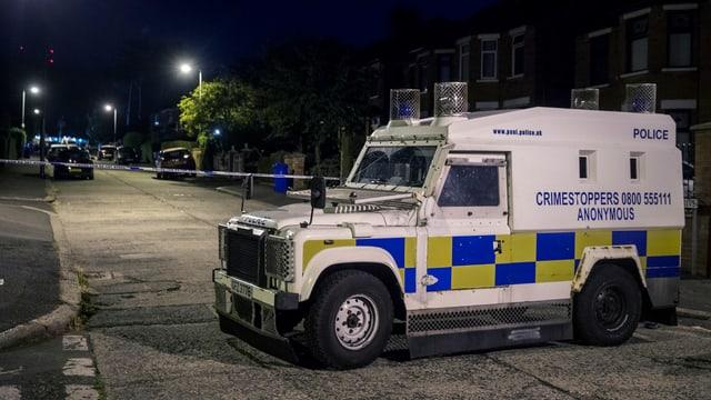 La polizia avant lieu.