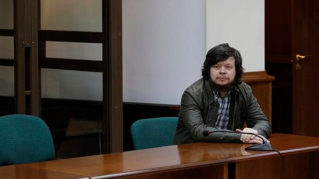 Der russische Oppositionelle Konstantin Lebedew auf der Anklagebank