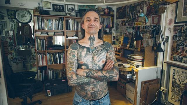 Video «Tattoo-Legende Filip Leu: «Meine Arbeit stirbt mit der Person, die sie trägt.»» abspielen