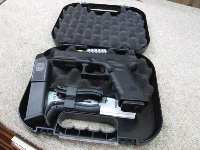 Eine Pistole, wie sie im Waffengeschäft Poyet in Bern, häufiger über den Ladentisch ging