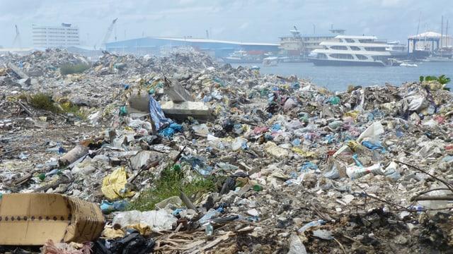 Auf der Insel Tilafushi liegt der ganze Abfall der Touristen und Bewohner.