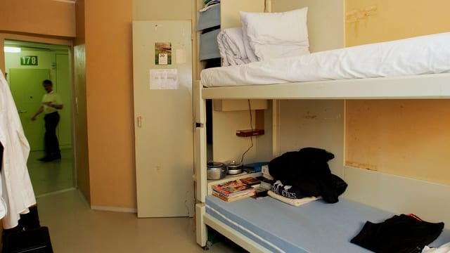 Kajütenbett in einer Gefängniszelle in Champ-Dollon.