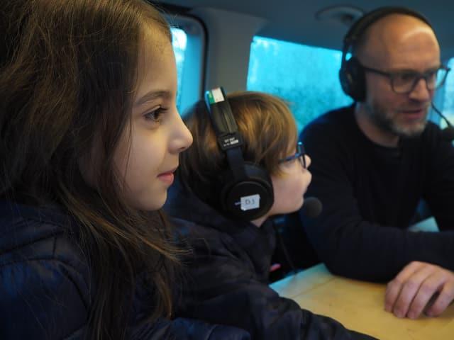 Spannende und tiefsinnige Gespräche im Bus