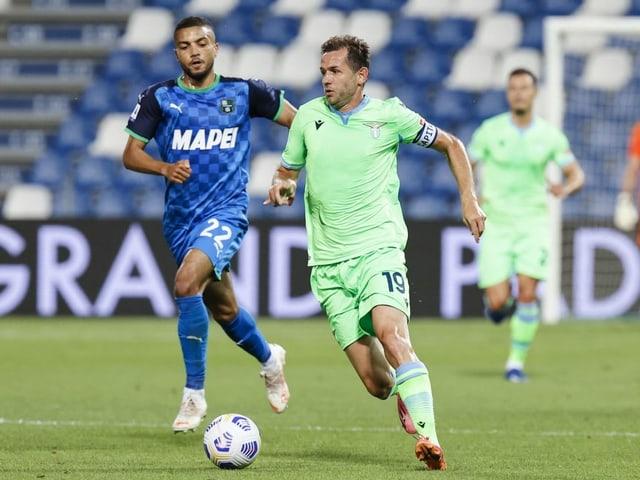 Senad Lulic (rechts) und Lazio Rom.