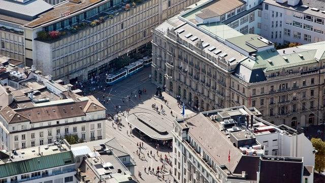 Der Zürcher Paradeplatz aus der Volgeperspektive.