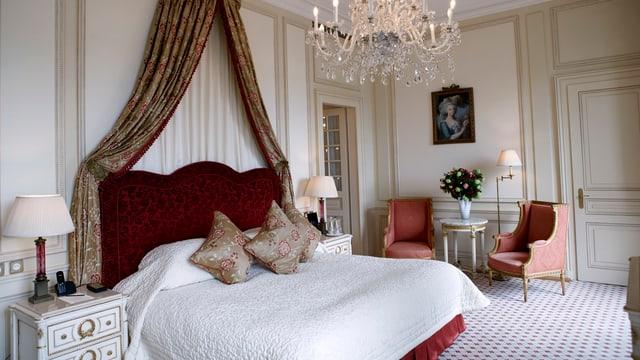 Il hotel da 5 stailas duai porscher 100 chombras.