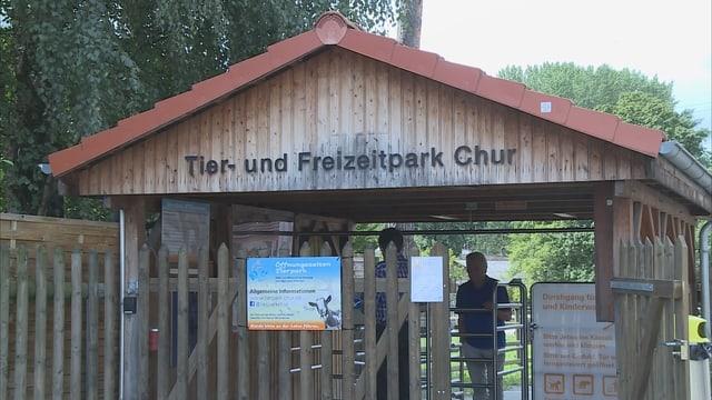 Entrada dal parc d'animals.