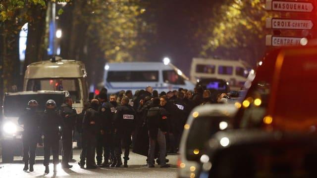 Spezialeinheiten der Polizei in Roubaix.