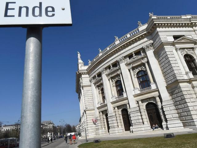 Aussenansicht des Wiener Burgtheaters.