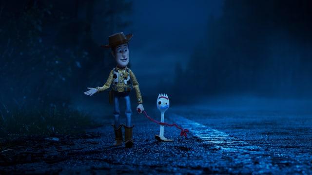 Ein animierter Mann hält eine Gabel an der Hand.