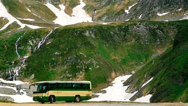 Bus da la lingia Autolinee Bleniesi SA.