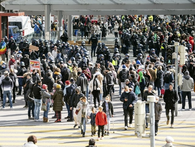 Polizeiaufgebot am Bahnhof Bern