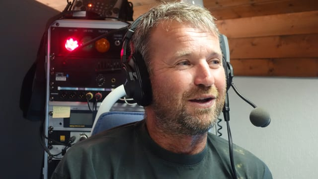 Roland Farrer durant l'intervista cun il Radio Rumantsch.