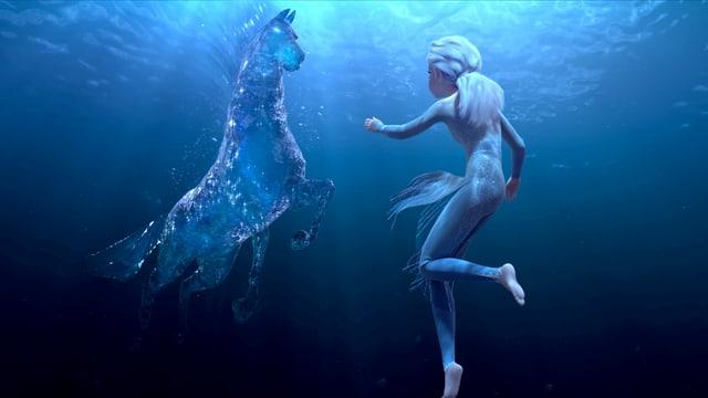 Eiskönigin Elsa im Wasser