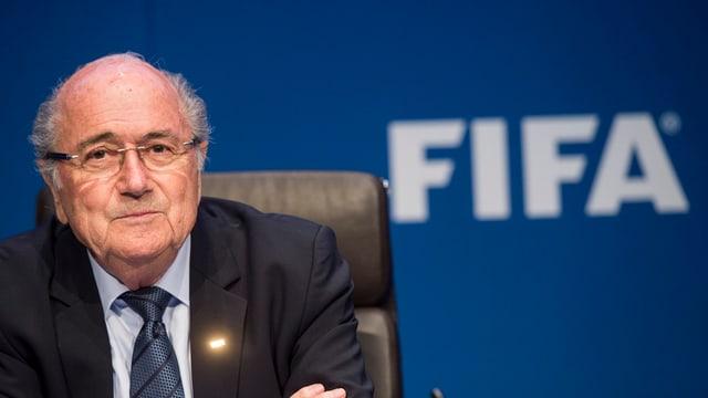 Il vegl e nov president da la FIFA, Joseph Blatter, è sa preschentà a las medias.