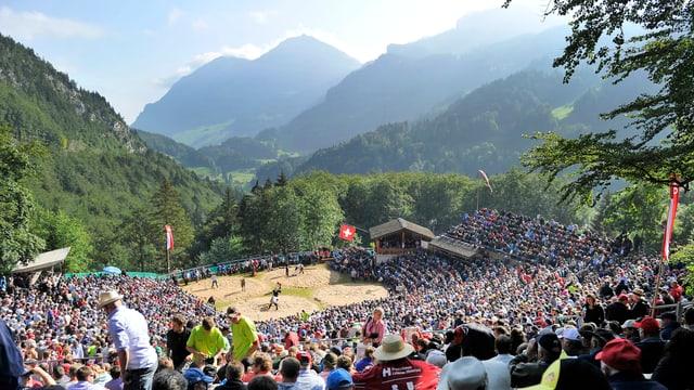 Blick auf die Arena auf dem Brünig.