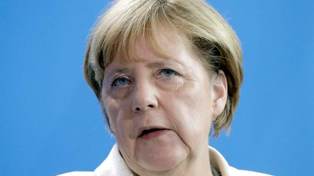 Merkel redet