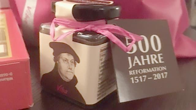 Ein Bild des Luther-Nougatglases.