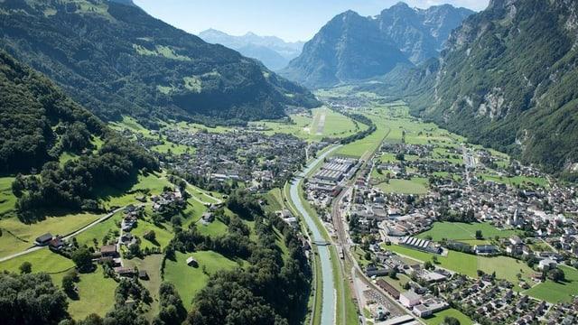 Flugaufnahme der Gemeinde Glarus Nord.