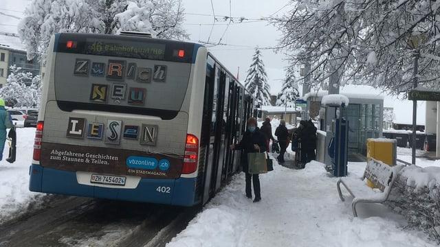 Ein Bus der Zürcher Verkehrsbetriebe (VBZ).