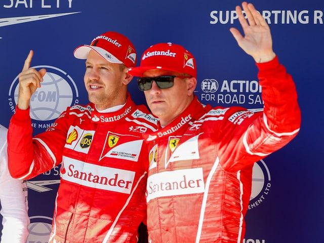 Sebastian Vettel (l) und Kimi Räikkönen.