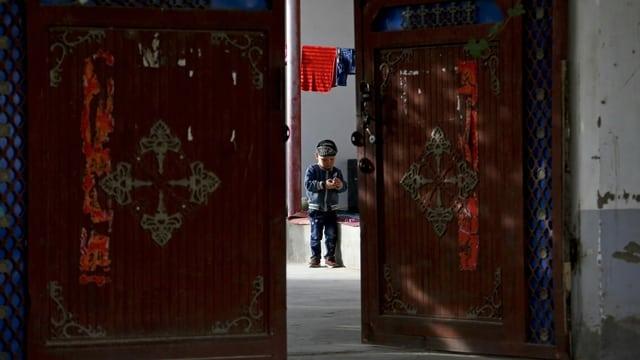 Mit enormen Mitteln zu Geburtenkontrolle will Peking dafür sorgen, dass die am schnellsten wachsende Region Xinjiang in ein paar Jahren zu den langsamsten gehört.