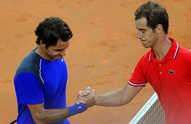 Roger Federer gratuliert Richard Gasquet.