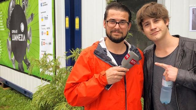 Danilo Bavier (san.) ha fatg l'intervista cun Damian Lynn.