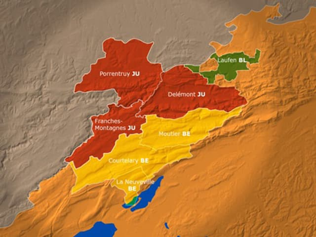Karte des Jura mit Aufteilung der verschiedenen Bezirke, die zu einem gemeinsamen Kanton zusammengefügt würden.