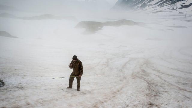 Soldat auf Gletscher